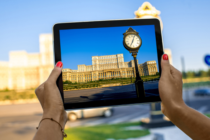 Palace-of-the-Parliament-Bucharest-&-Ipad-compressor